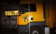 kamion betört ablakkkal