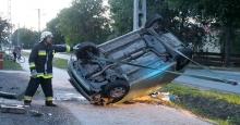 Felborult egy autó Kecskeméten