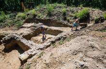 ásatás lakiteleken