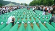 Emlékeznek Srebrenicában