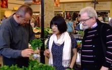 Miyama Junk a kecskeméti piacon