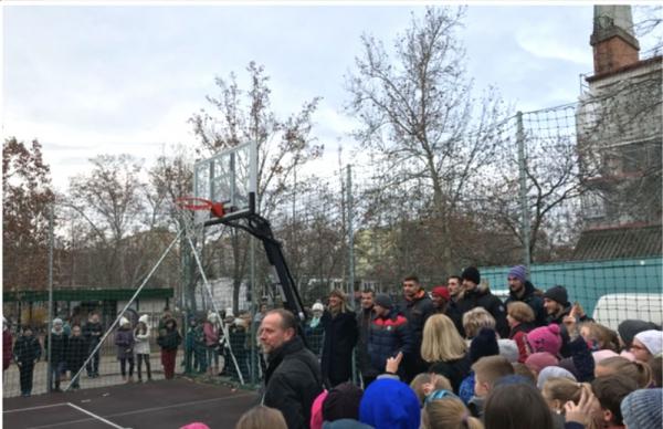 kültéri kosárlabda palánk