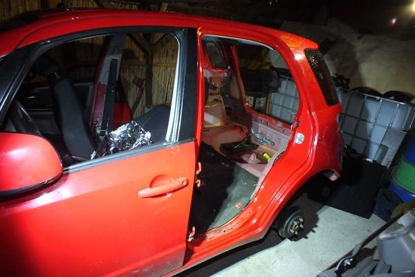 bontott autó