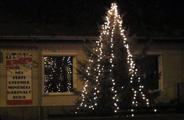 hetényi karácsonyfa